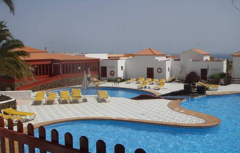 Castillo Beach - Pool - 5