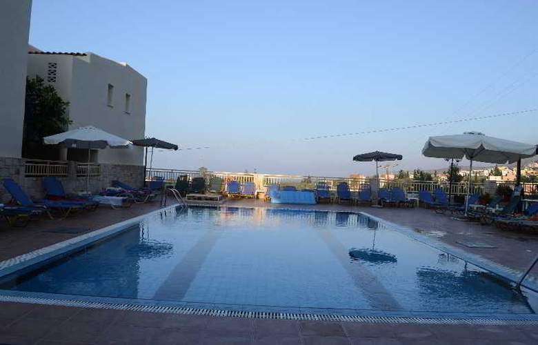 Frida Village Apartments - Pool - 1
