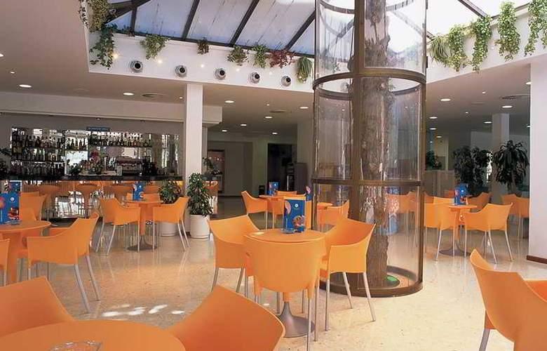 Levante Club Apartamentos - Bar - 5