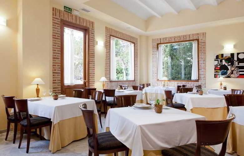 AD Hoc Parque Golf - Restaurant - 20