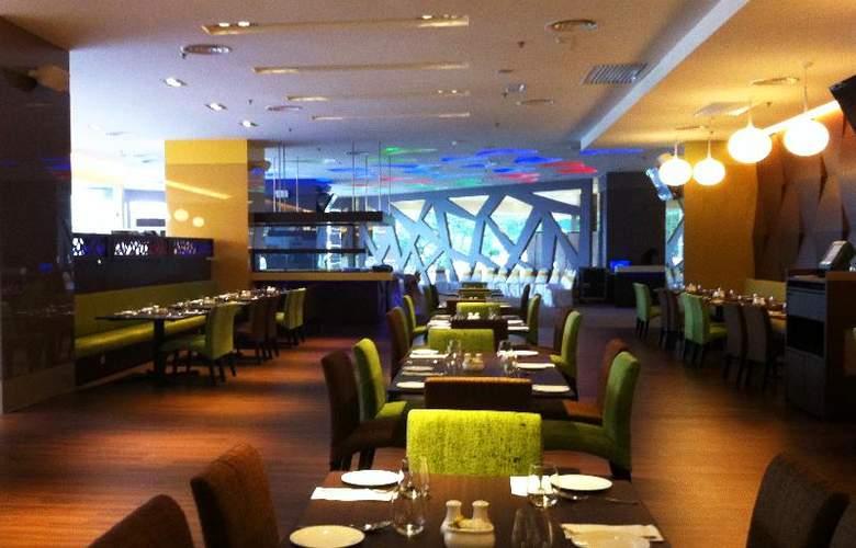 Ixora Hotel - Restaurant - 8