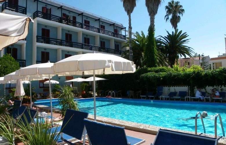 La Playa - Pool - 1
