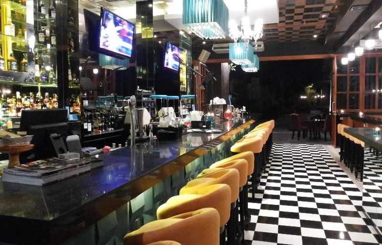 TS Suites Bali & Villas - Restaurant - 14