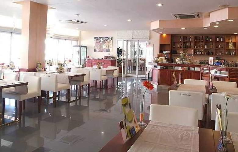 Zafiro Tropic - Restaurant - 4