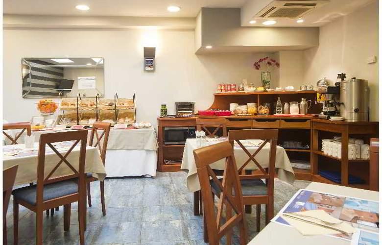 Blue Longoria Plaza - Restaurant - 17
