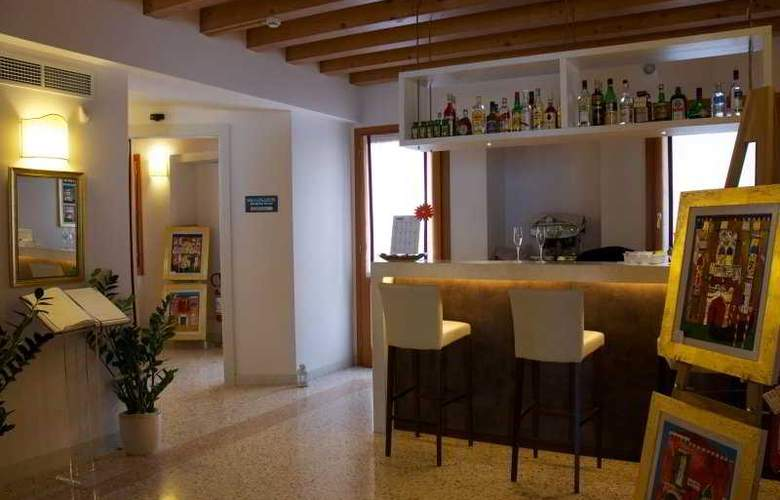 Hotel Villa Costanza - Bar - 6