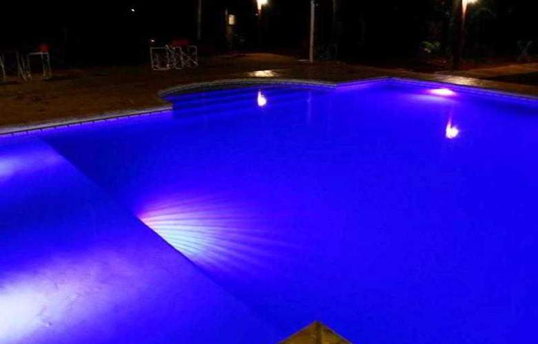 Don Horacio - Pool - 2