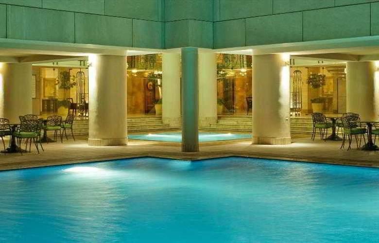 Sheraton Dubai Creek Hotel and Towers - Pool - 8