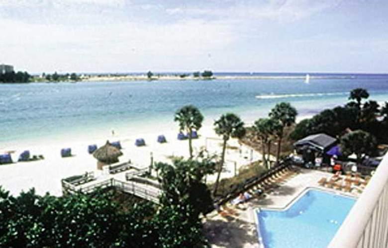 Best Western Sea Wake Beach Resort - Pool - 1