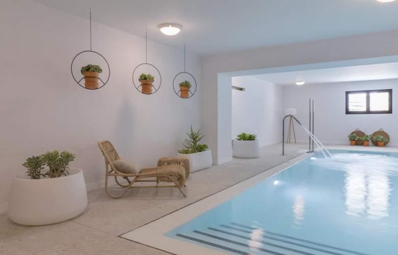 HM Ayron Park - Pool - 28