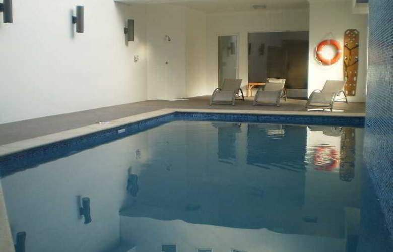 Diego de Almagro Valparaiso - Pool - 2