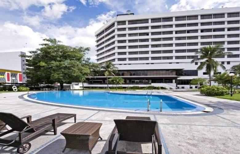 Impiana Hotel Ipoh - Pool - 5