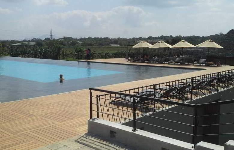 Aliya Resort and Spa - Pool - 2