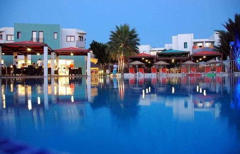 Yelken Mandalinci Spa & Welness (Ex. Mandalinci Resort Hotel) - Pool - 7