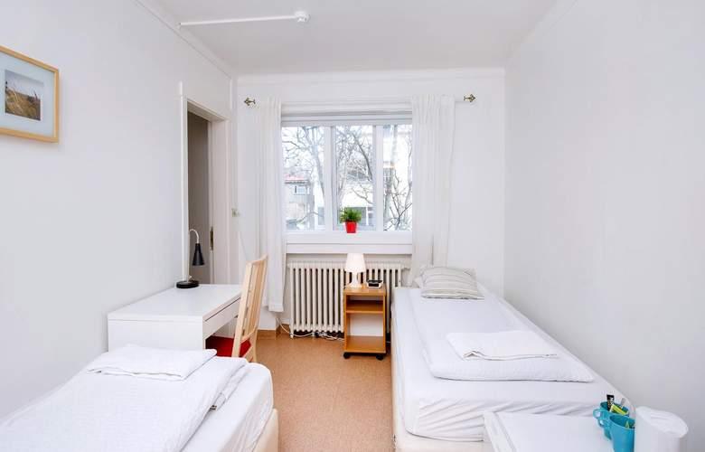 Reykjavik Hostel Village - Room - 11