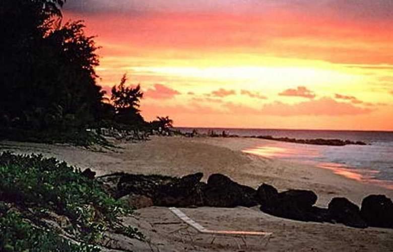Turtle Beach - Beach - 2