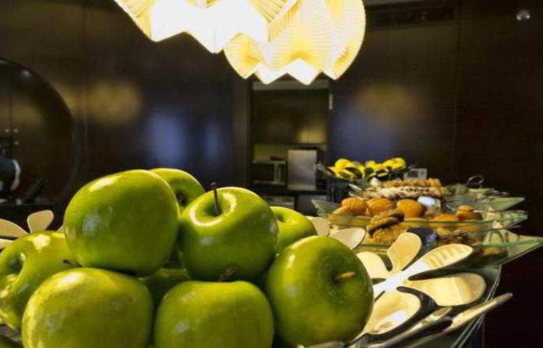 Crowne Plaza Deira - Restaurant - 40