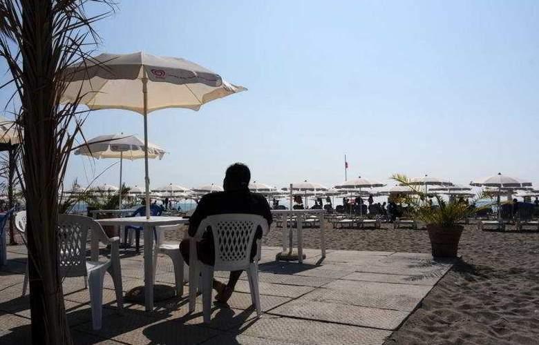 AW Club Nova Siri - Terrace - 6