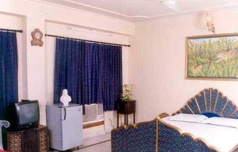 Aashish - Room - 2