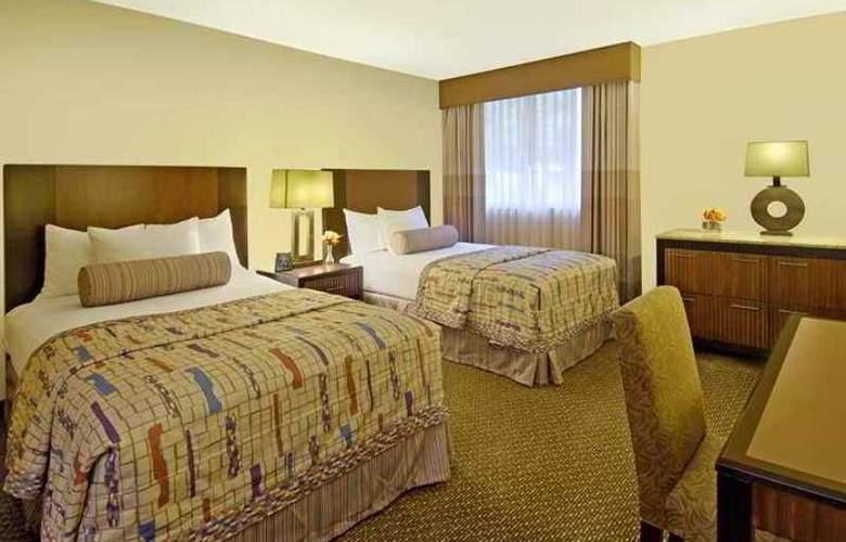 Embassy Suites Phoenix Tempe - Hotel - 5