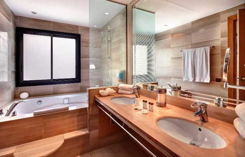 Hispanos 7 Suiza Apartament-Restaurant - Room - 10