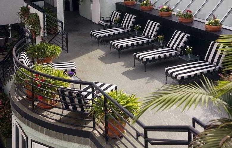 Best Western Plus Carlyle Inn - Hotel - 4
