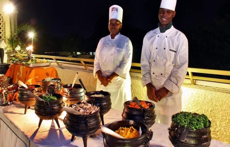 Victoria Falls Rainbow - Restaurant - 10