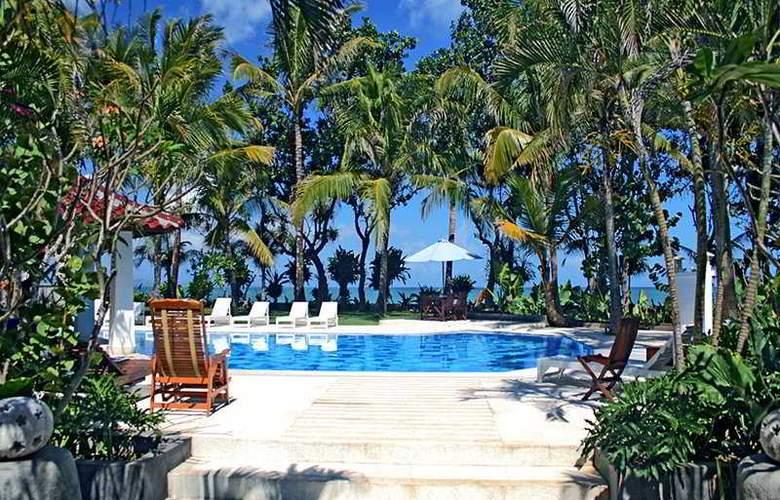 Legong Keraton Beach - Pool - 5