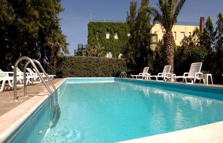 Eden Riviera - Pool - 12