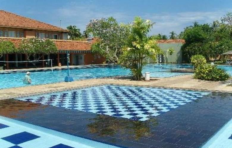 Club Palm Bay - Pool - 1