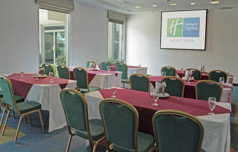 Holiday Inn Express San Jose Forum - Restaurant - 4