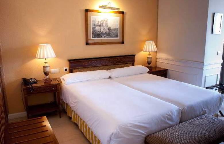 Apartamentos Guadalpin Suites - Room - 4