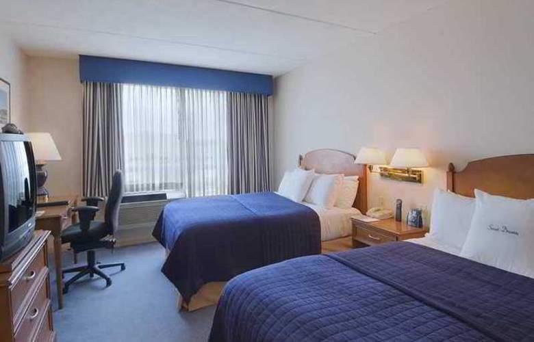 Doubletree Club Bayside - Hotel - 10