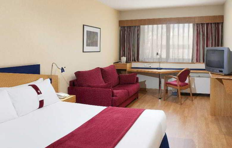 Holiday Inn Express Tres Cantos - Room - 3