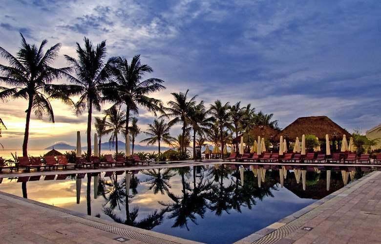 Victoria Hoi An Beach Resort & Spa - Pool - 13