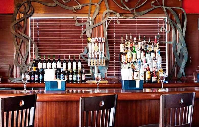 Four Points by Sheraton Oklahoma City Airport - Bar - 5