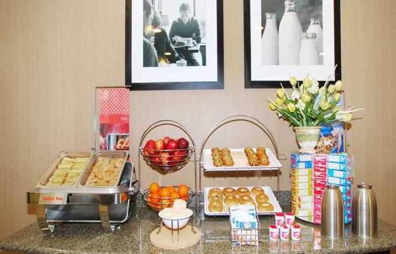Hampton Inn & Suites Childress - Hotel - 6