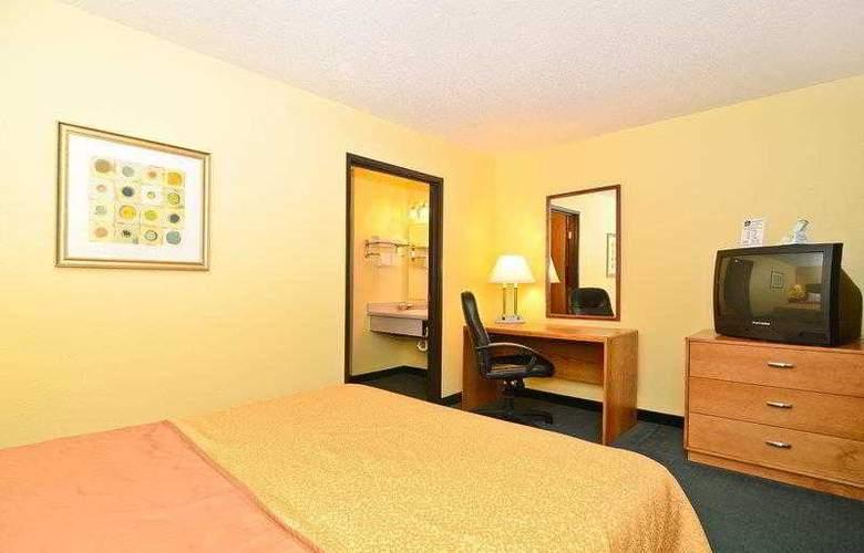 Best Western Ambassador Inn & Suites - Hotel - 33