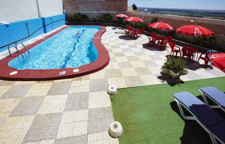 Juan II - Pool - 14