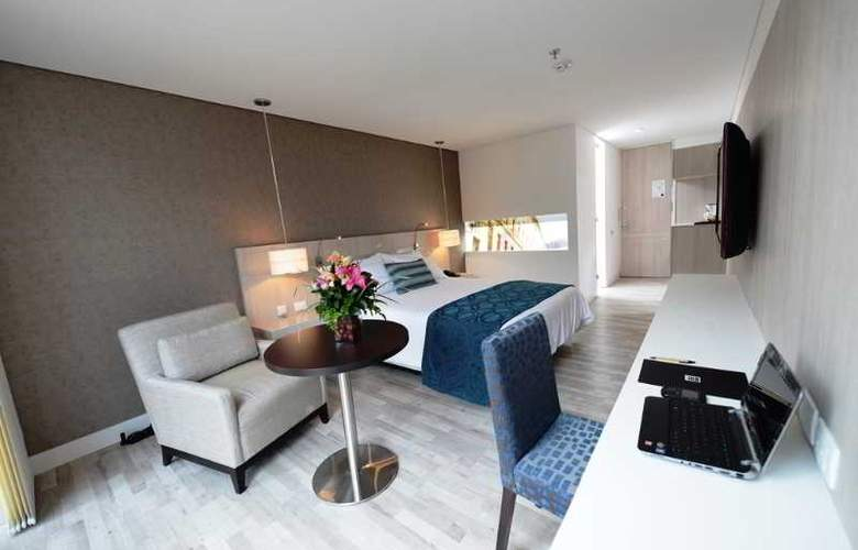 Hotel BH Bicentenario - Room - 3