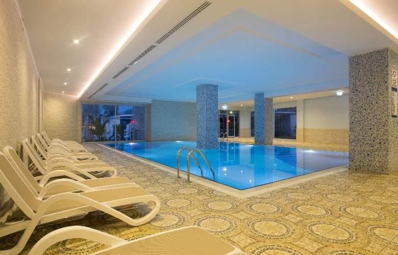 Water Side Delux Resort - Pool - 57
