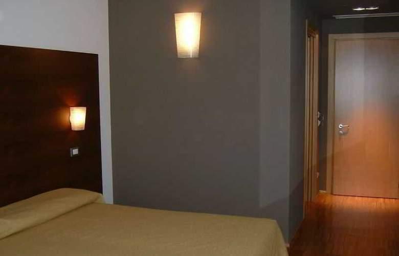 Cortese - Room - 7