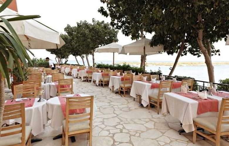 Three Corners Ocean View - Restaurant - 21