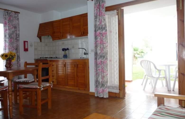 Apartamentos Llebeig - Room - 6