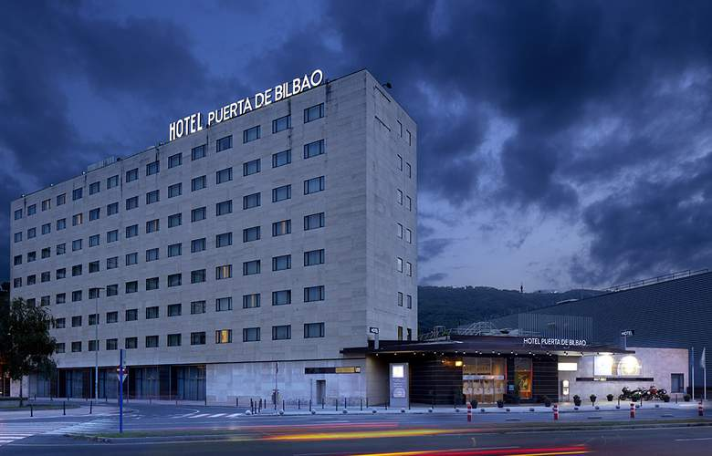 Puerta De Bilbao - Hotel - 0