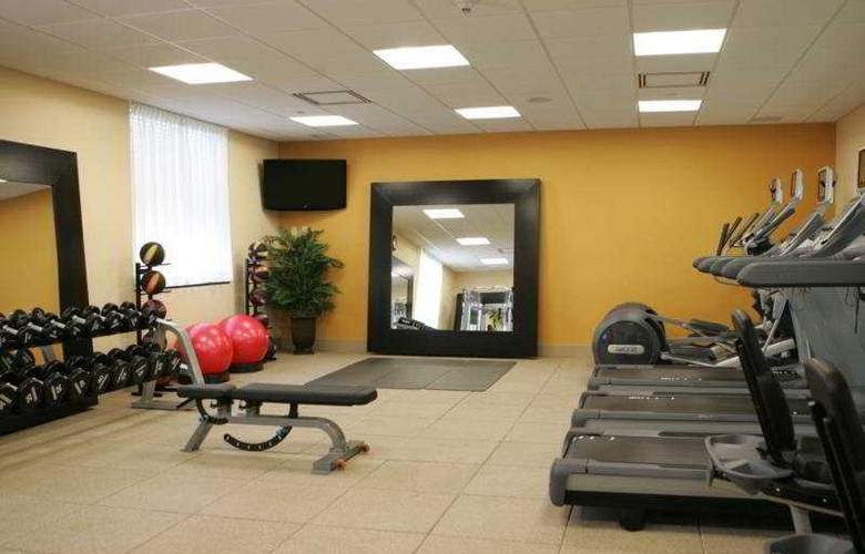 Hampton Inn Toronto Airport Corporate Centre - Sport - 8