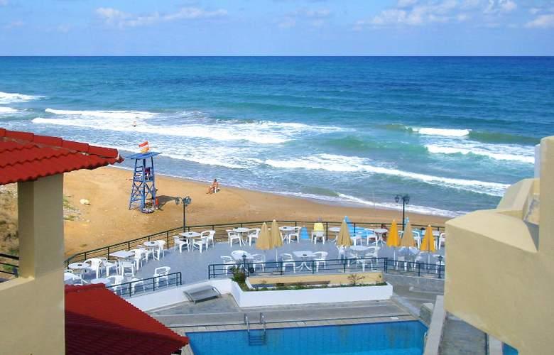 Dedalos Beach Hotel - Beach - 4