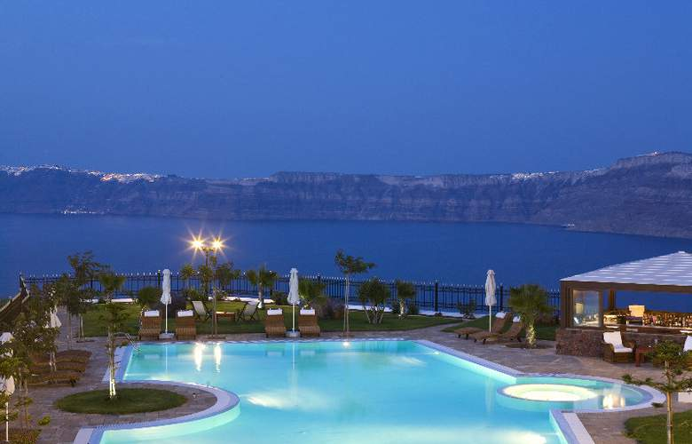 Maison Des Lys Luxury Suites - Pool - 3