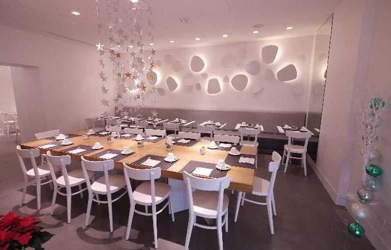 White - Restaurant - 8