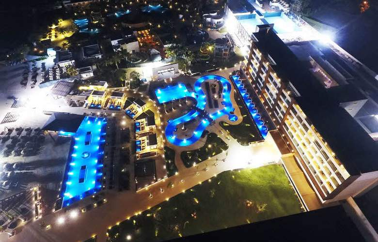 Royalton Blue Waters - Montego Bay - Hotel - 8